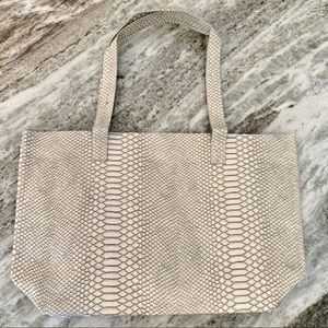 Bloomingdales White Snakeskin Tote Purse